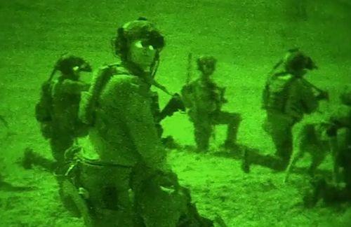 Kịch tính cảnh quân đội Mỹ tìm diệt phiến quân IS - Ảnh 1