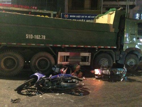 """Tài xế xe ben """"điên"""": Gây tai nạn liên hoàn vì tránh xe máy lao ra bất ngờ - Ảnh 3"""