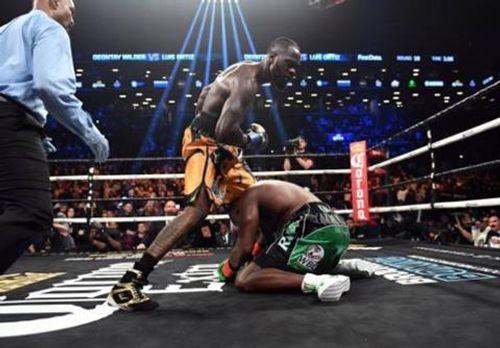 """WBC quyền anh hạng nặng: """"King Kong"""" Luis Ortiz bị nốc ao sau 10 hiệp - Ảnh 2"""