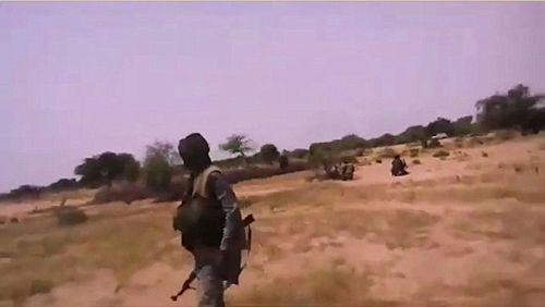 IS tung video gây sốc cảnh tập kích giết 4 lính Mỹ ở Nigeria - Ảnh 1