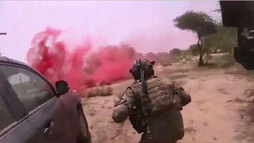 IS tung video gây sốc cảnh tập kích giết 4 lính Mỹ ở Nigeria - Ảnh 2