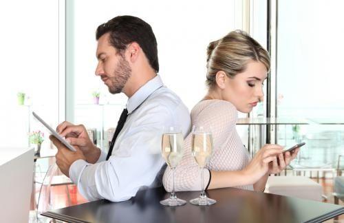 Những điều cần tránh để giữ lửa cho hôn nhân - Ảnh 4
