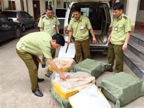 Lạng Sơn: Thu giữ 200kg nầm lợn chảy nước đen bốc mùi hôi thối - Ảnh 1