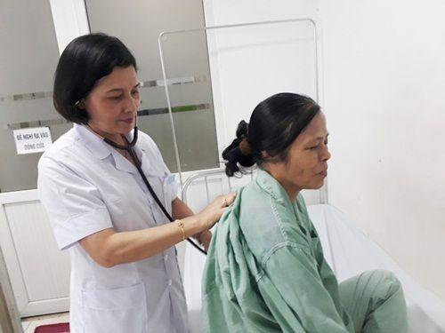 Bệnh nhân nhập viện tăng cao vì nắng nóng: Bác sĩ nói cách tránh bệnh - Ảnh 1