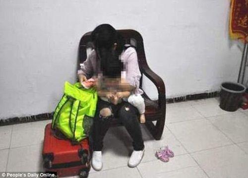 Mẹ bán con gái giá gần 200 triệu để mua mỹ phẩm và đồ hiệu - Ảnh 1