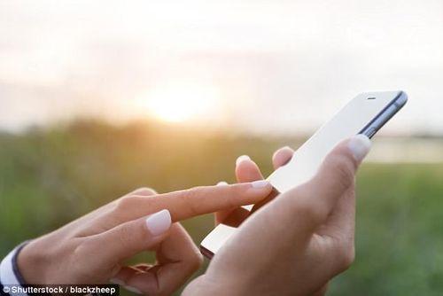 Căn bệnh chết người này tăng mạnh cùng sự phát triển của điện thoại di động? - Ảnh 1