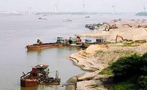Hưng Yên: Xử lý nghiêm tình trạng khai thác cát trái phép - Ảnh 1