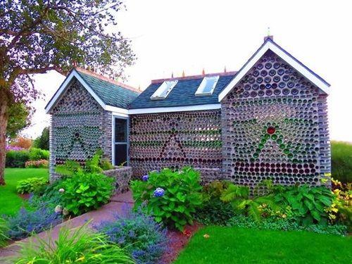 Cận cảnh những tòa nhà đẹp được xây bằng vật liệu tái chế từ rác thải - Ảnh 3