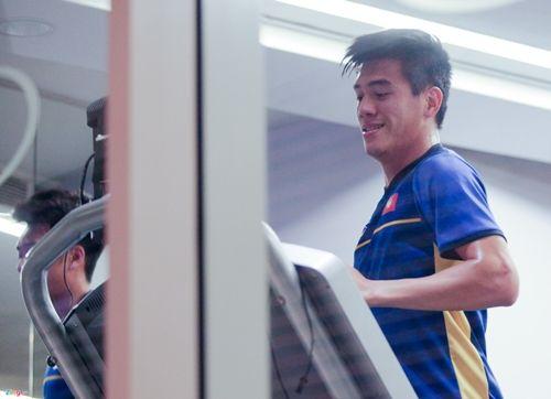Quyết tâm chiến thắng Yemen, các cầu thủ tuyển Việt Nam miệt mài tập gym - Ảnh 7