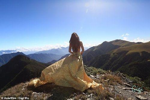 Nổi tiếng vì chuyên mặc bikini leo núi, người phụ nữ chết vì quá lạnh trên độ cao 1.700m - Ảnh 7