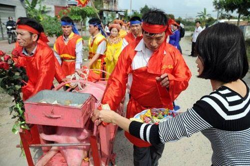 Làng Ném Thượng vẫn tổ chức nghi lễ chém lợn năm Kỷ Hợi 2019 dù kín đáo hơn - Ảnh 2