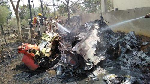 Hai máy bay phản lực đâm nhau khi trình diễn trên không, phi công tử nạn - Ảnh 2