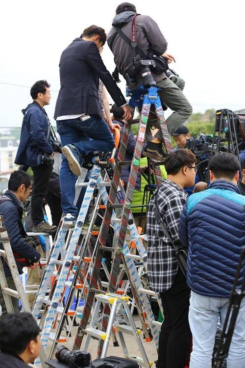 Truyền thông trong nước và quốc tế đổ dồn về ga Đồng Đăng đón ông Kim Jong-un - Ảnh 4