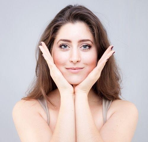 9 bài tập cơ khiến gương mặt của bạn trở nên thon thả, trẻ hóa làn da đẩy lùi nếp nhăn - Ảnh 1