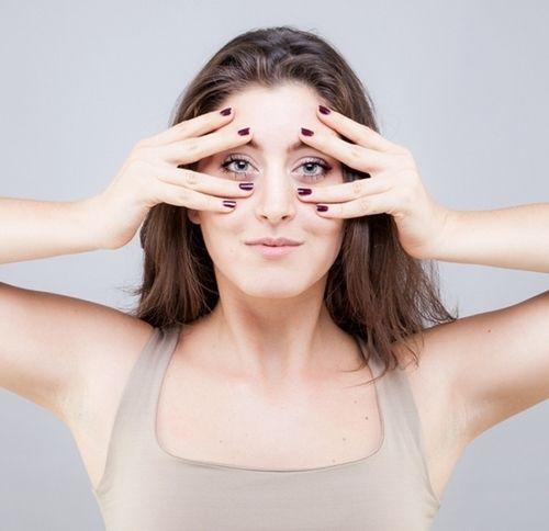 9 bài tập cơ khiến gương mặt của bạn trở nên thon thả, trẻ hóa làn da đẩy lùi nếp nhăn - Ảnh 4