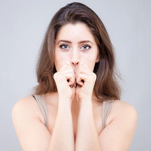 9 bài tập cơ khiến gương mặt của bạn trở nên thon thả, trẻ hóa làn da đẩy lùi nếp nhăn - Ảnh 5