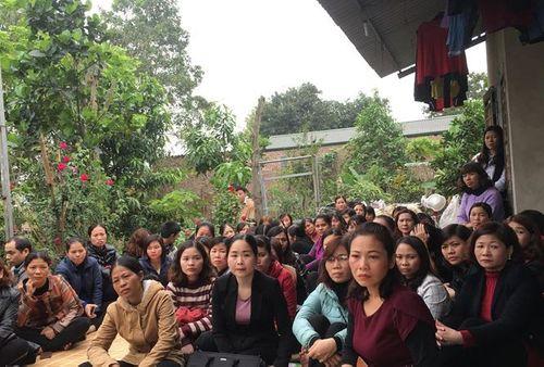 Hàng trăm giáo viên kỳ cựu hoảng sợ mất việc nếu không qua kì thi công chức - Ảnh 1