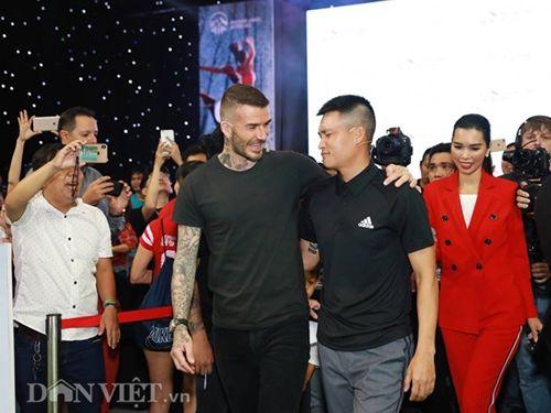 David Beckham thi đấu tâng bóng cùng với Công Vinh, Duy Mạnh tại TP.HCM - Ảnh 1