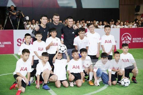 David Beckham thi đấu tâng bóng cùng với Công Vinh, Duy Mạnh tại TP.HCM - Ảnh 2
