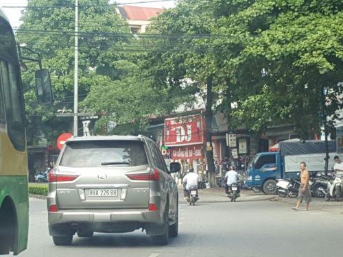 Choáng váng với những siêu xe 'biển nhảy' cực Vip tại Vĩnh Phúc - Ảnh 4