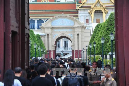 Thái Lan mở cửa Hoàng cung để người dân viếng Nhà Vua - Ảnh 1