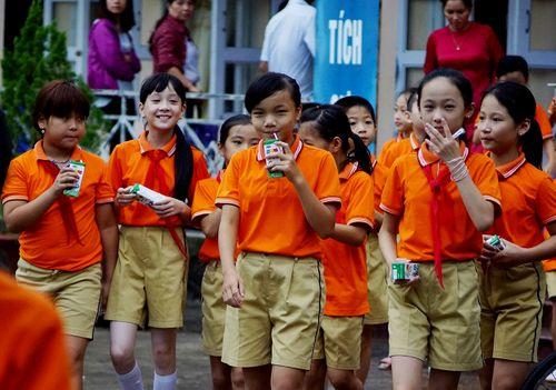 Vinamilk tiên phong trong sữa học đường, vì một Việt Nam vươn cao - Ảnh 8