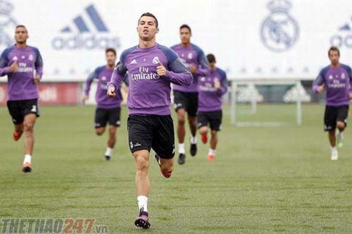 Ronaldo sắp bị 'trảm' khỏi đội hình Real Madrid? - Ảnh 1