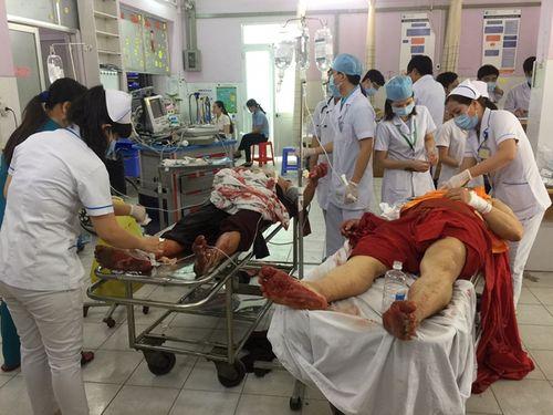 Sư thầy dùng dao chém 6 người thương vong ngay tại chùa - Ảnh 2
