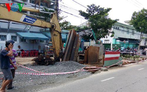 Đà Nẵng: Trái khoáy đào đường giữa mùa mưa - Ảnh 1