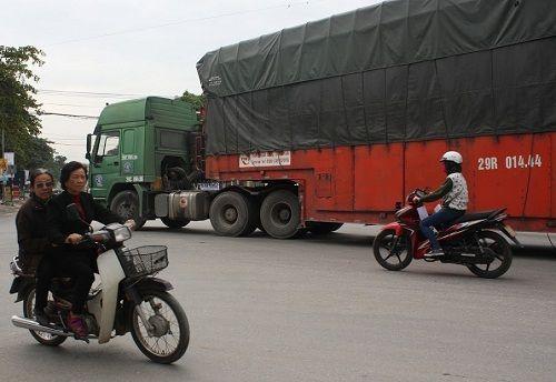 CSGT ra quân xử phạt,  người vi phạm hoảng hốt tháo chạy - Ảnh 8