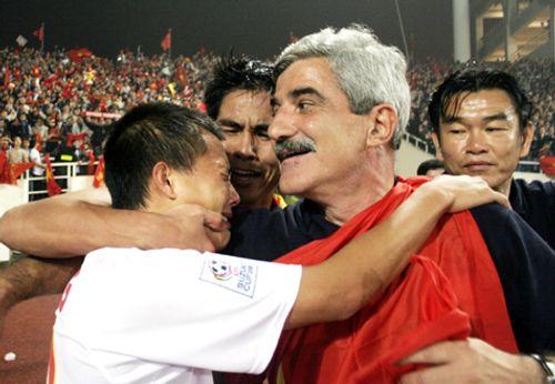 Hai cầu thủ sót lại từ chiến tích AFF Cup 2008: Linh hồn của ĐTVN - Ảnh 2