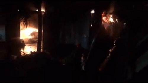 Hà Nội: Cháy lớn xưởng sản xuất trong KCN Quốc Oai - Ảnh 1