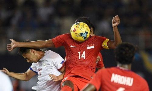 AFF Cup: Chỉ với 10 người SIngapore vẫn cầm hòa Philippines - Ảnh 1