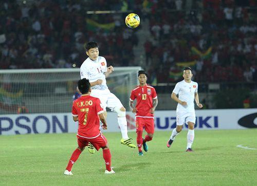 Đội hình tiêu biểu lượt đầu tiên vòng bảng AFF Cup 2016 - Ảnh 2