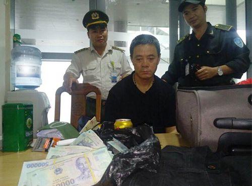 Tóm gọn du khách Trung Quốc trộm hơn 400 triệu đồng trên máy bay - Ảnh 1