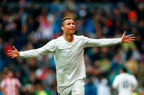 Thêm 13 bàn nữa, Ronaldo vĩ đại nhất lịch sử bóng đá châu Âu - Ảnh 1