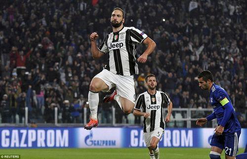 """Juventus 1-1 Lyon: """"Bà đầm già"""" chưa thể đi tiếp - Ảnh 1"""