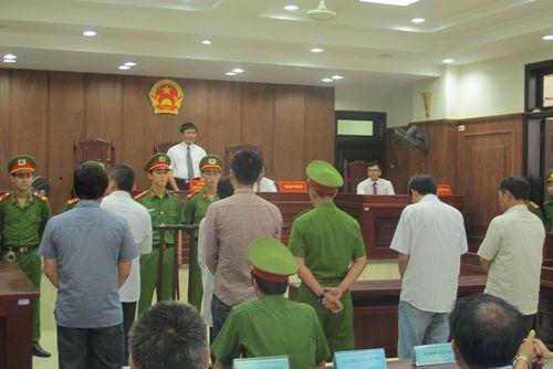 Giảm án cho ông an dùng nhục hình tại Phú Yên - Ảnh 1