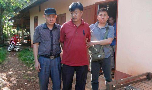 Bắt đối tượng người Lào vận chuyển 6 khẩu súng AK cho thổ phỉ - Ảnh 1