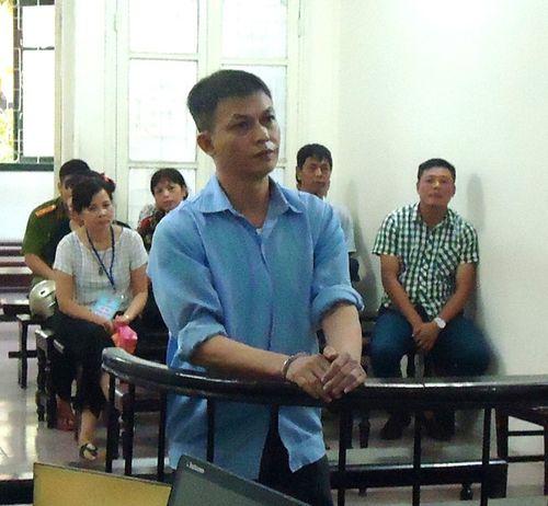 Lĩnh 2 năm tù vì quay lén clip tống tiền CSGT - Ảnh 1