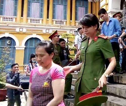 Ổ mại dâm núp bóng spa ở Sài Gòn - Ảnh 1