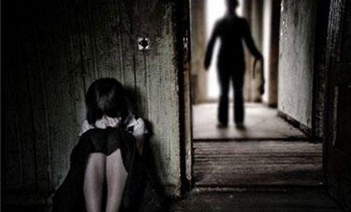 Phạm tội hiếp dâm trẻ em, phường chỉ phạt hành chính - Ảnh 1