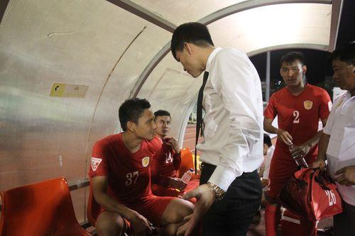 Vụ Công Vinh kỷ luật cầu thủ: Hồng Việt lên tiếng thanh minh - Ảnh 1