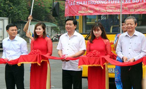 Mở tuyến buýt 5 sao nối Tân Sơn Nhất với 2 bến xe lớn TP HCM - Ảnh 1
