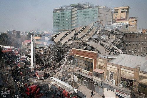 Tòa nhà cao tầng cổ nhất Iran bị sập, 30 người thiệt mạng - Ảnh 1