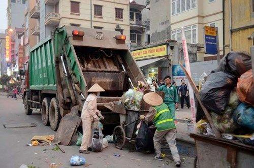 TP. HCM: Hơn 7.000 công nhân vệ sinh thu gom rác qua giao thừa - Ảnh 1