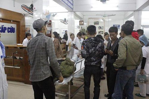 Đón tết lặng lẽ tại bệnh viện của bác sĩ và bệnh nhân - Ảnh 4