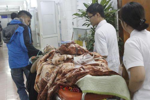 Đón tết lặng lẽ tại bệnh viện của bác sĩ và bệnh nhân - Ảnh 5