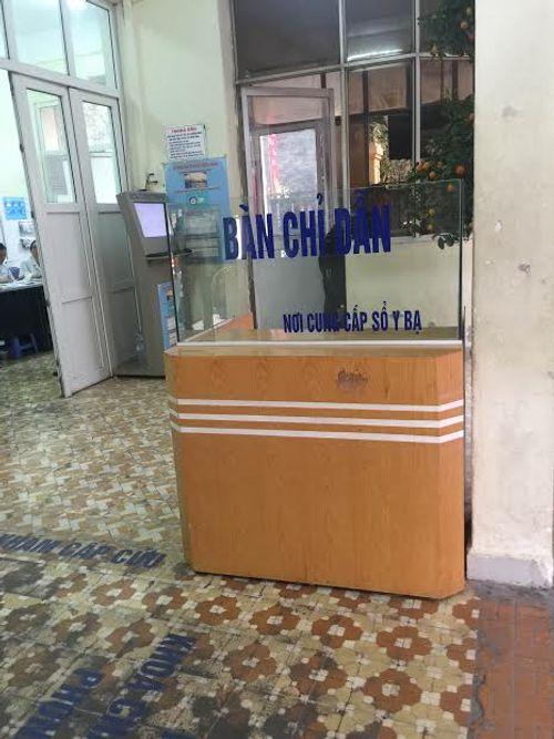 Các bệnh viện Hà Nội vắng vẻ vào ngày làm việc đầu năm - Ảnh 10