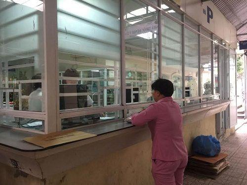 Các bệnh viện Hà Nội vắng vẻ vào ngày làm việc đầu năm - Ảnh 3